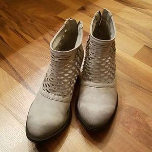 Rebels Cali boots